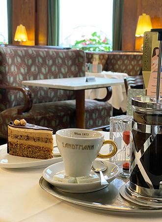Sobremesa no Café Landtmann em Viena
