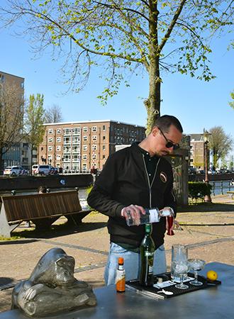 Ciro Adriano de Georgio prepares a Dry Martini