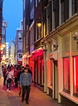 Prostituição na Red Light District em Amsterdã